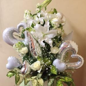 開店祝いオシャレなバルーンとお花の贈り物、バルーンフラワー