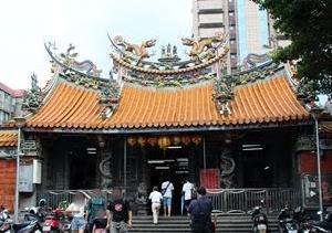 慈聖宮と台湾小吃屋台街をぶらっと散策