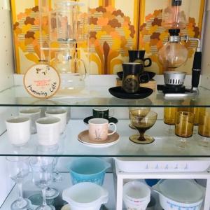 懐かしい〜ハミングカフェ@ top of my kitchen cabinet ♪