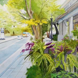 横浜山手 234番館前の山手通りと花飾り