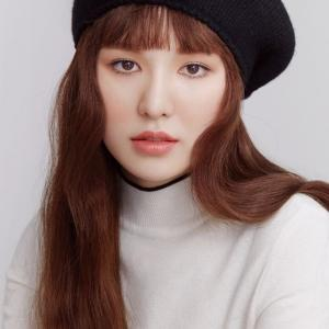 Red Velvetウェンディ「BEAUTY+」10月号
