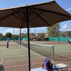 仲間達とのテニスでした!