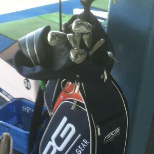 今日もゴルフ練習です!