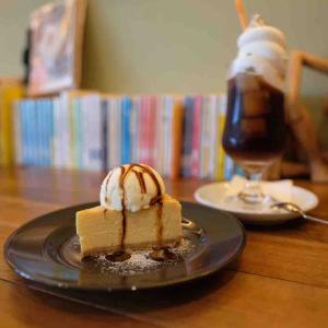 Cafe Cremaのコーヒーフロートとケーキでカフェタイム@松山市