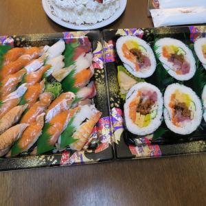 いわ栄の寿司と自作イチゴケーキ