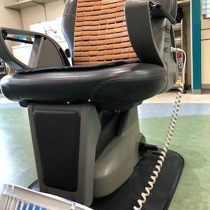 閲覧注意!!の 理容椅子掃除