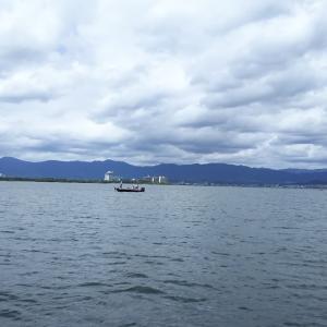 台風前の厳しい琵琶湖でした