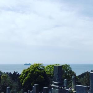 お墓で深呼吸な今日、長崎新聞さんに
