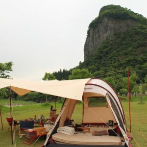 テント前室が水没!雨キャンプの試練