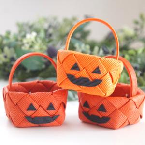 簡単ハロウィンかぼちゃのかご!編んで飾ろう