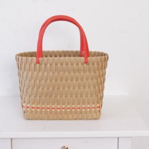 縦編みのバッグ