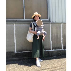 顔と頭が小さい人の帽子 & 黒髪でダークカラーの服装でも夏らしく