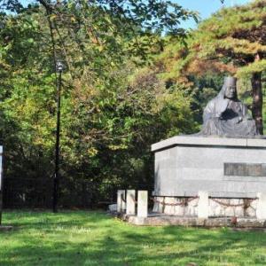 紅葉と出湯 ⑧ 上杉謙信公がいらっしゃる秋葉公園