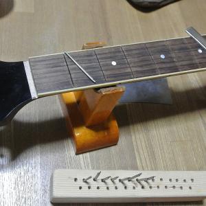 最近のギターのネックって