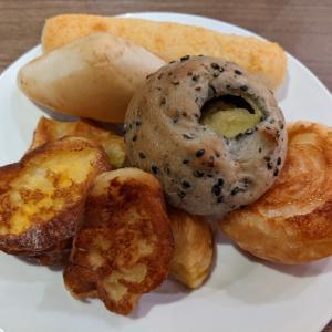 パン45個、食べ放題記録更新。ヨドバシカメラ8階レストラン街のBAQETでパン食べ放題ランチ。