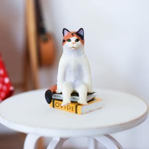 カプセルトイ「座る猫」