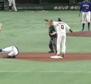 【悲報】巨人増田が9回裏に盗塁失敗→リクエストの権利無し