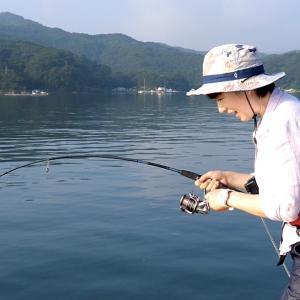 【釣り車中泊&N-VAN女子旅】海釣り公園でのんびり釣りするはずが…。ひと工夫して大物を狙う【ちぬ子】