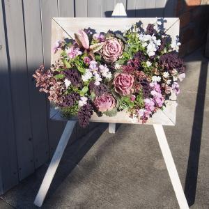 年末のお花飾りの準備
