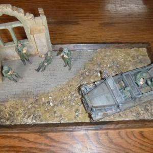 ジオラマ レンガ・木製バリケード:ドイツ陸軍 1トンハーフトラック sd.kfz.10&ドイツ歩兵部隊 イタリア戦線1943&No.08 レンガ・土のう バリケード