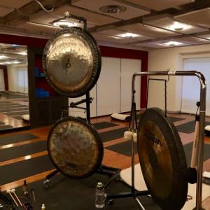 Gong Bath and Chakras Meditation Workshop with Noy Petchwikai..