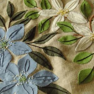 刺繍 - Flower Applique Bag :白と青の花