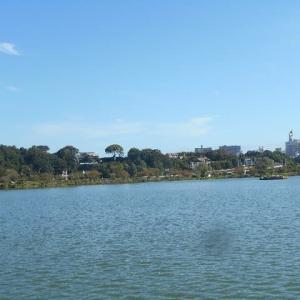 千波湖を一周して偕楽園へ