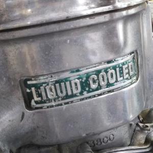 旧車の水冷エンジン スズキGT750ご納車整備の一コマ
