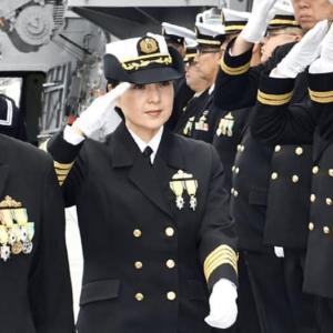 イージス艦初の女性艦長誕生!!