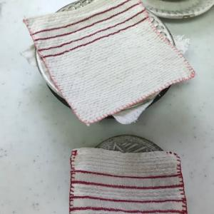 食器のお布団作り