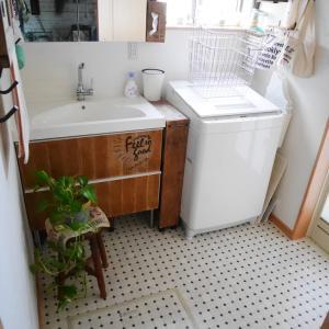 *セルフ張り替えはこれだけお得!洗面所のクッションフロア張り替え完了~!*