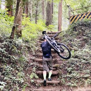"""「ロードバイク女子は山上りも強い説」爆誕! 東京裏山ベースでMTBレンタルして""""登山""""を満喫してきた!"""