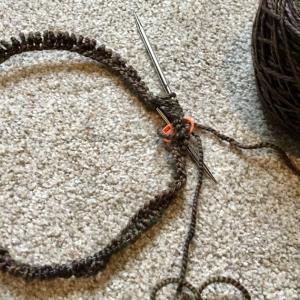 帽子編み始め