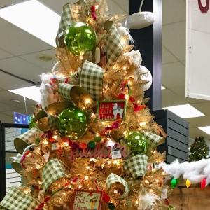 今更クリスマスツリー