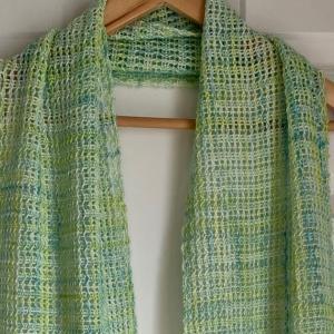 完成: もじり織りスカーフ
