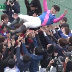 【競馬】東京12R後に薬物疑惑をファンに謝罪しながらサインし続けた福永