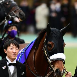 【競馬・画像】史上最高に可愛いルックスNo.1アーモンドアイに決定!アーモンドの瞳!