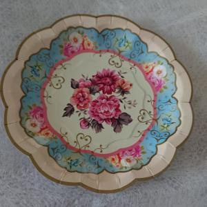 楽しめる日々のために きれいなものを眺めたい 「紙皿」