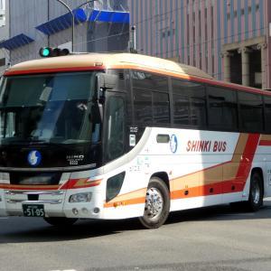 神姫バス 8332