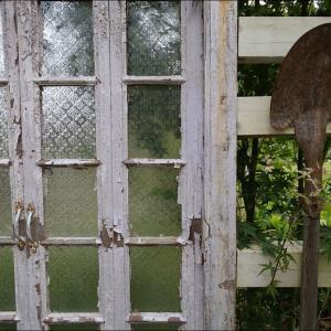 *Gardener's doorway