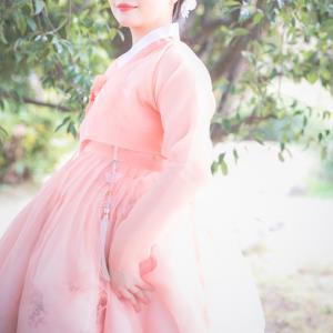 二十歳のお祝いに~民族衣装で成人式前撮り写真~