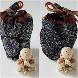 懐中のお地蔵さまの大島紬の袋、藍色が出来てきました🎵