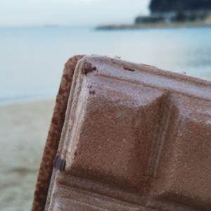 #美味フォト  #最中やないかい!!  とっても濃厚な最中アイス( #OHAYO ) を #大浜海岸 で食す。