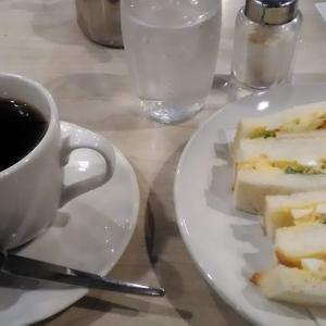 粗めの白身がいい玉子サンド これがモーニングで頂ける老舗喫茶 #マヅラ さん 大阪駅前第一ビルの雄 #喫茶店最高かよ キーワードは昔ながら
