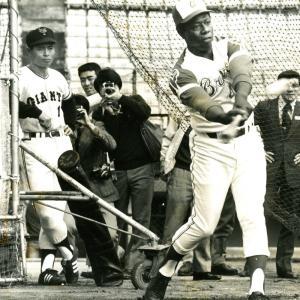 #ハンクアーロン 氏死去  当時の世界記録 755本塁打 を目指して #王貞治 さんはジャイアンツ黄金時代を支えた。