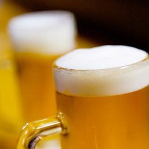 長生きのためには週にビールグラス5杯が適量だそうです
