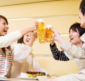 飲酒後に顔が赤くなる人は骨折リスクに要注意だそうです