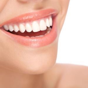 歯科医おススメの口臭対策14で、キスの準備がバッチリの「爽やかな息」にしてみませんか?