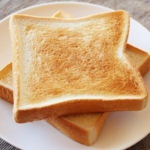 「切れ目を入れる」だけでトーストが美味しくなる魔法のような裏技、試してみませんか?