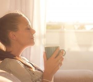 朝の目覚めの一杯のコーヒーは、身体に悪影響を及ぼすそうです